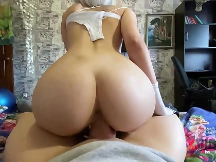 Steamy blondie is deep-throating penis like a real professional and opening up up to get screwed rigid
