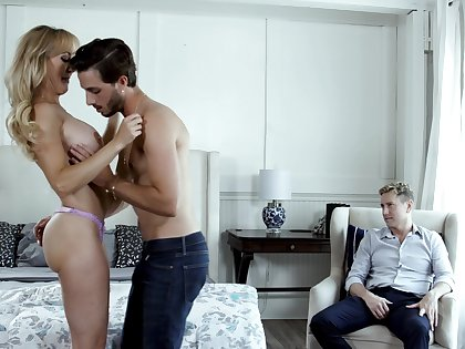 Blonde adult goes full mode in beautiful people cuckold