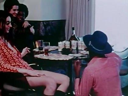 Black men get some shut-eye white girls  (70s) Vintage