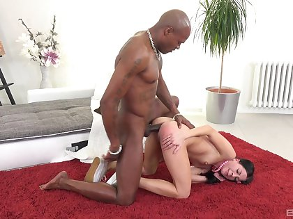 Treacherous hunk suits babe's dirty desires with everlasting anal sex