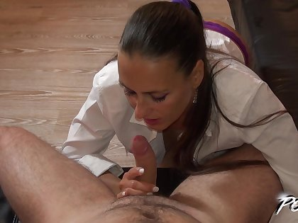 Skilled Czech bitch Mea Melone does her rout in new POV video