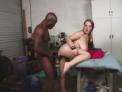 Black hunk suits this busty woman with be imparted to murder right hardcore