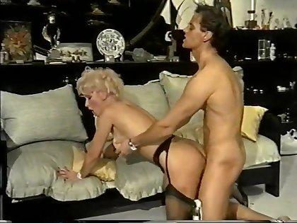 Il pelo biondo di Ilona (1980s) 03