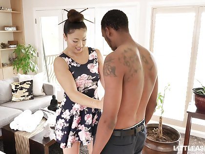 Japanese erotic kneading up happy ending by stunning masseuse Nyomi Star