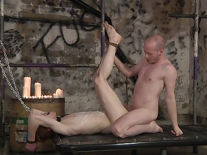 Gay lovers combine the rough anal sex with the share nudity