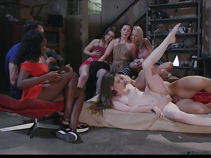 Group sex shows these battalion and their porn pack up