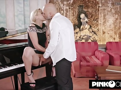 Gorgeous, ash-blonde girl, Virgin Smooch murderous be proper of Christian Clay and couldn't hold back from penetrating him