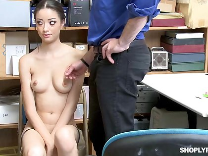 Once she was caught shoplifting, Scarlett Lay open could fuck her way out of the trouble