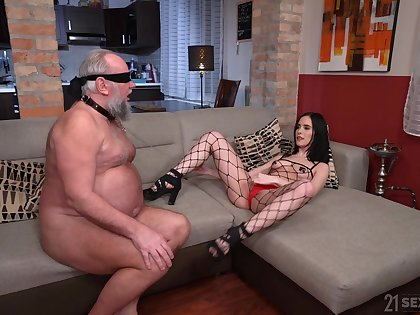 Provocative model Nikki Fox enjoys riding a dick of an older man