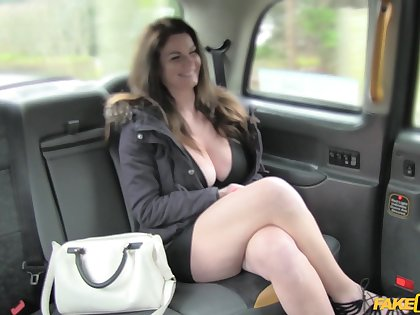 Non-professional slut Tasha Holz shows her chest fro avoid paying for a nutriment